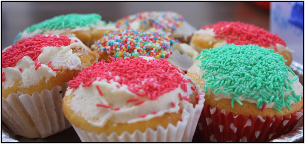 various kinds of cupcakes.
